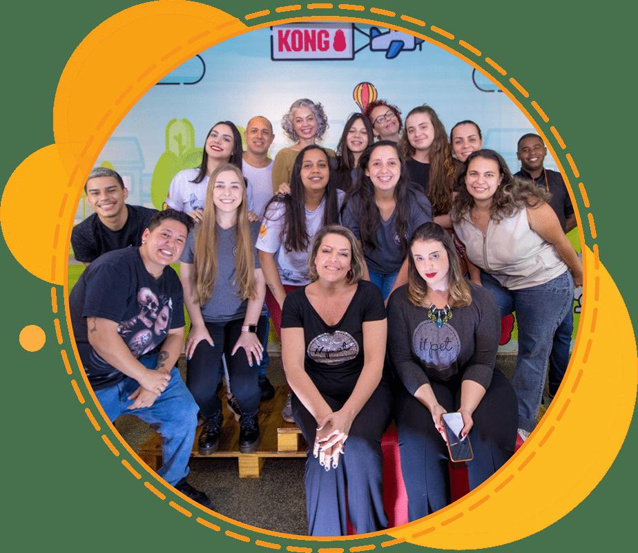 Equipe It Pet Shop, Mari Castro e Bruna Garrido, Dra. Alice Völker Cordeiro, equipe de banho e tosa, loja, playground e marketing